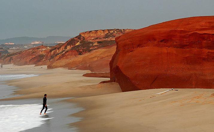 Серфинг в Португалии в октябре