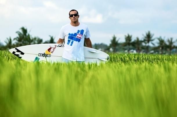 Португальский серфер Tiago Pires о своем участии в Wings for Life World Run.